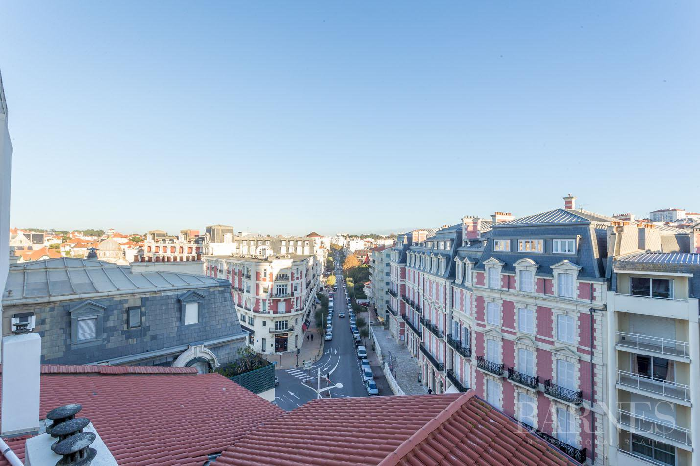 IN THE HEART OF BIARRITZ RENOVATED APARTMENT WITH VIEWS OF THE SEA, SUMMER RENT FOR 4 PEOPLE picture 11