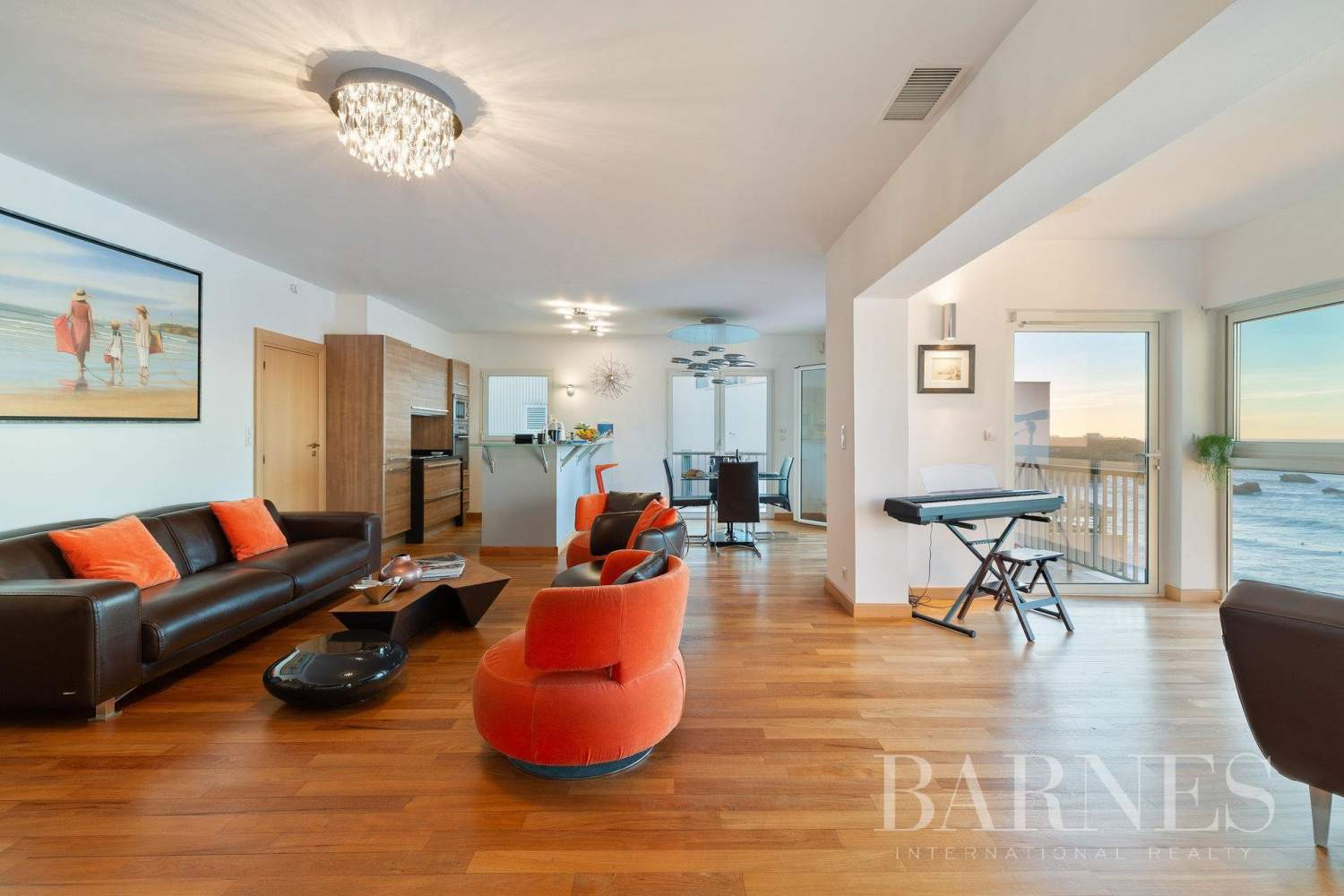 PANORAMA - IN THE HEART OF BIARRITZ RENOVATED APARTMENT WITH SEAVIEW FOR 4 PEOPLE picture 4
