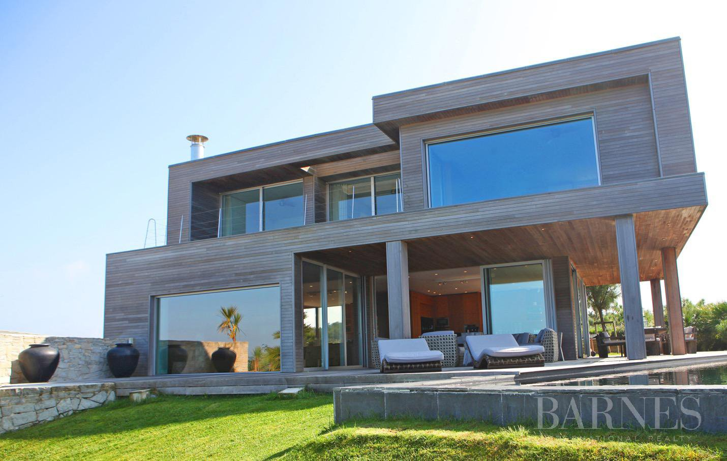 Exceptional contemporary house overlooking the sea, direct access to the beach, swimming-pool terrace sea view, hammam, 5 minutes from Biarritz, Anglet beach by walk, for rent picture 1