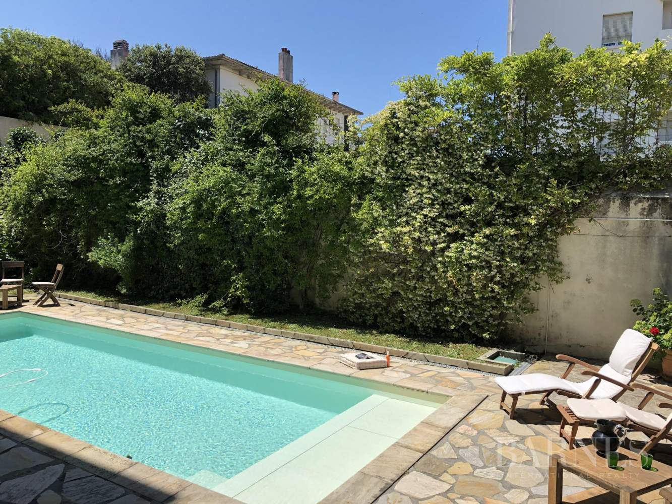BIARRITZ, HOUSE WITH GARDEN AND POOL, 6 BEDROOMS, HEATED POOL. 10 PEOPLE. picture 2