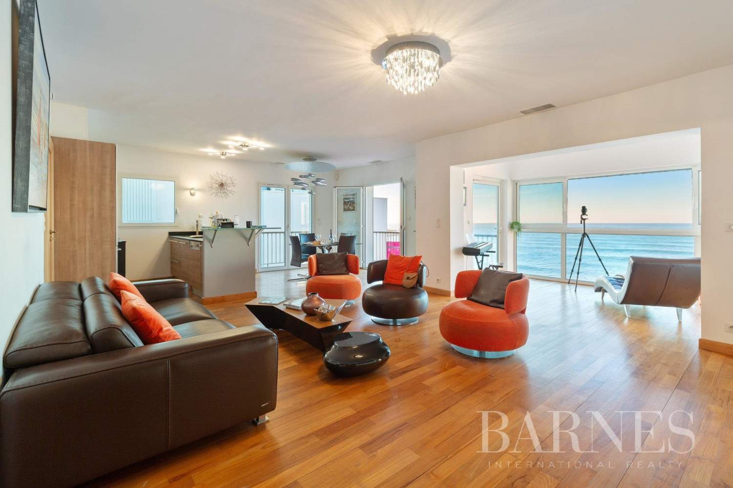 PANORAMA - IN THE HEART OF BIARRITZ RENOVATED APARTMENT WITH SEAVIEW FOR 4 PEOPLE picture 3
