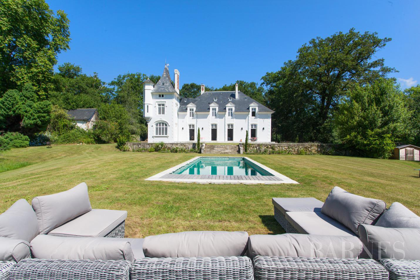 MAGNIFICENT PROPERTY BUILT IN 1700, ENTIRELY RENOVATED, 7 BEDROOMS, HEATED SWIMMING POOL picture 1