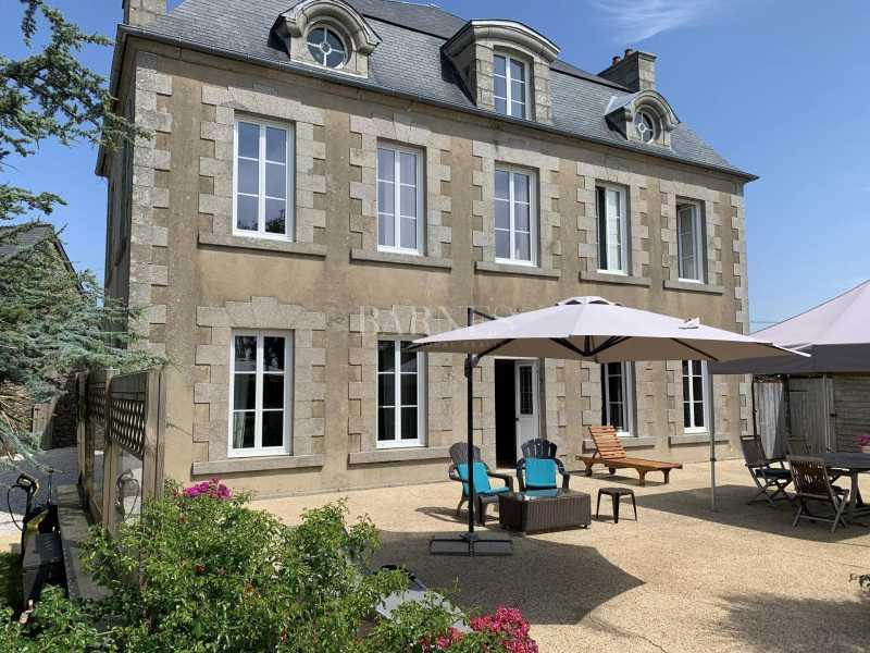 Cherbourg-en-Cotentin  - Property