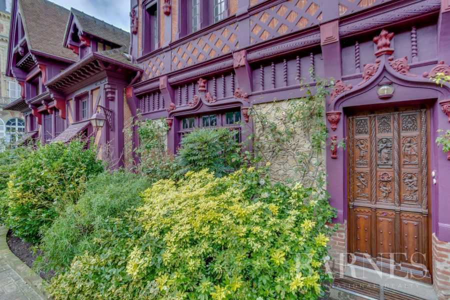 Trouville-sur-Mer  - Property 8 Bedrooms
