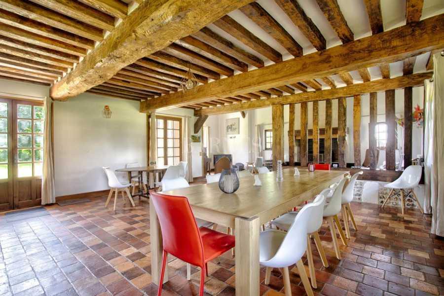 Lisieux  - Propriété 6 Pièces 5 Chambres