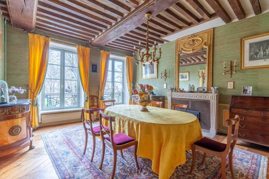 Caen  - Maison 11 Pièces 6 Chambres