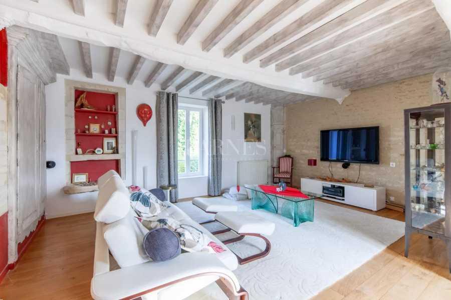 Courseulles-sur-Mer  - Maison 12 Pièces 6 Chambres