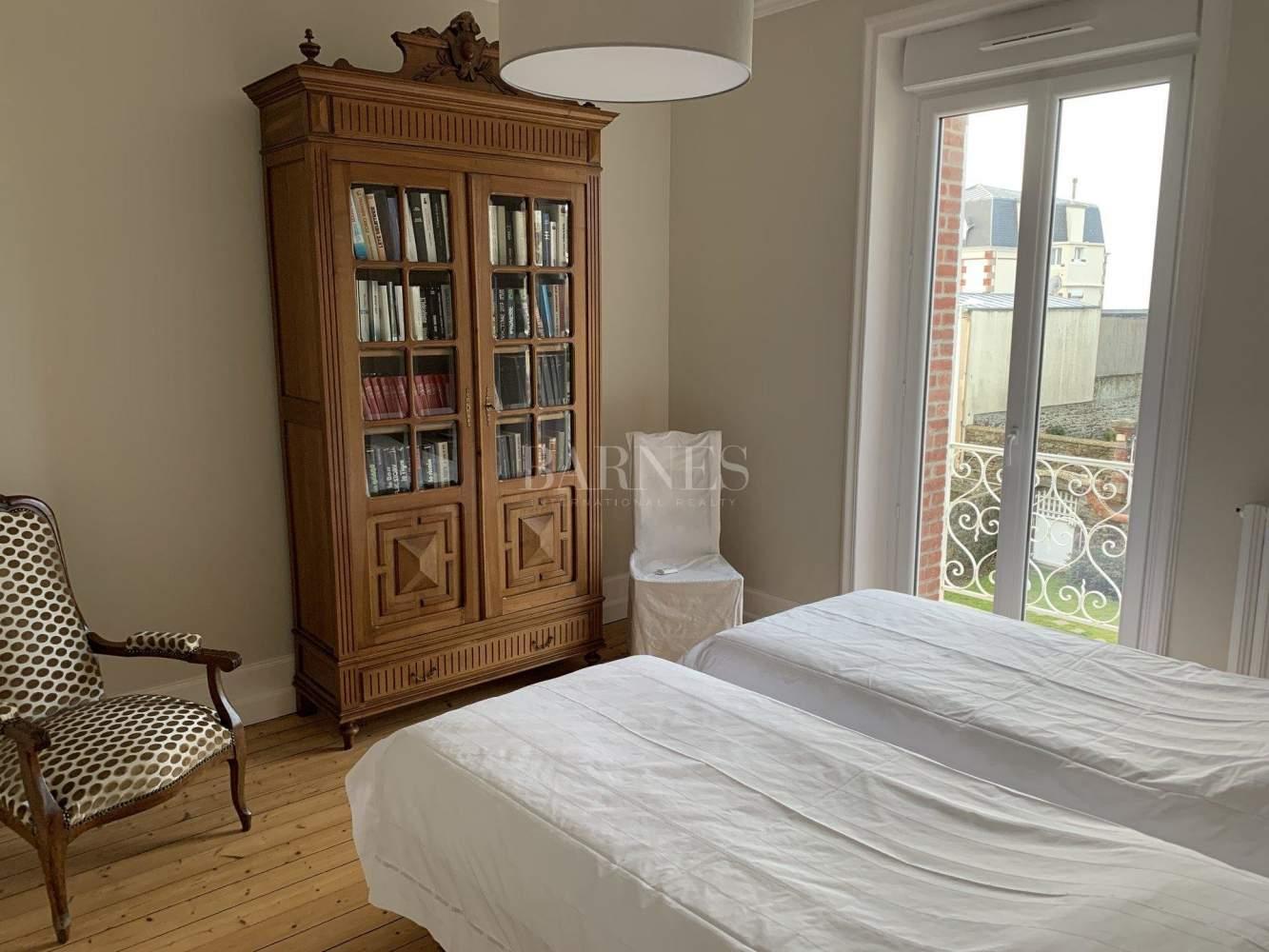 Granville  - Maison 9 Pièces 4 Chambres - picture 12