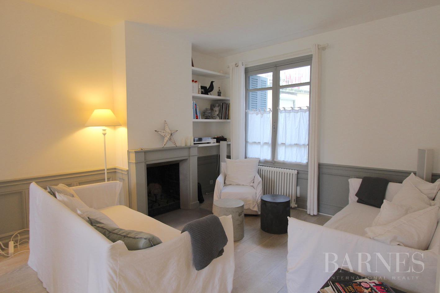TROUVILLE - MAGNIFICENT TOWNHOUSE A SHORT WALK FROM THE BEACH picture 2