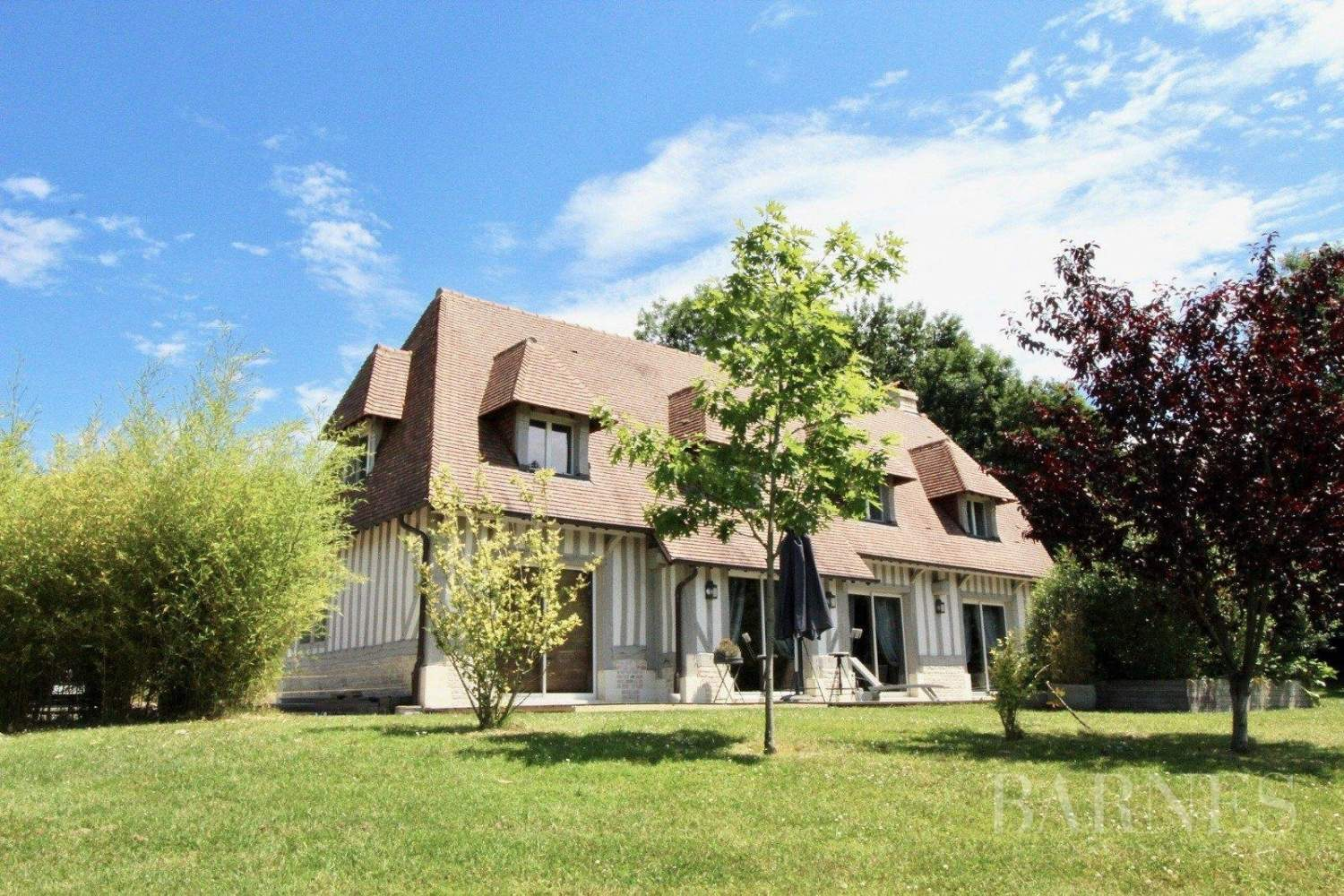 Houlgate  - House 4 Bedrooms - picture 1