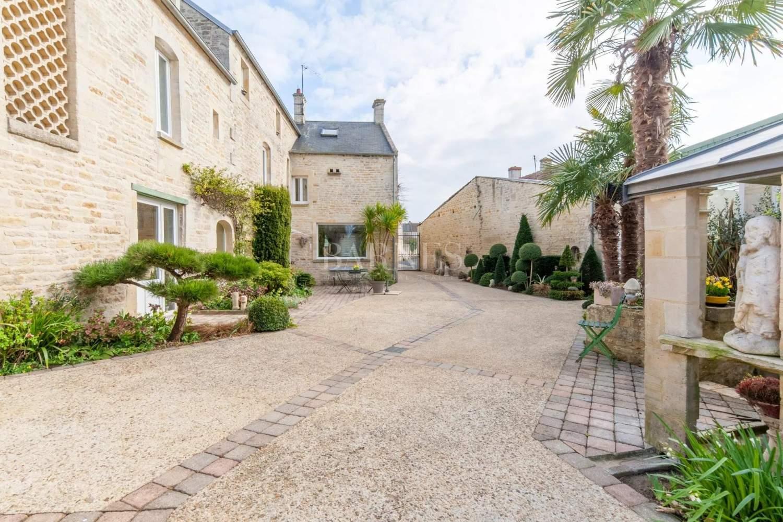 Courseulles-sur-Mer  - Maison 12 Pièces 6 Chambres - picture 18