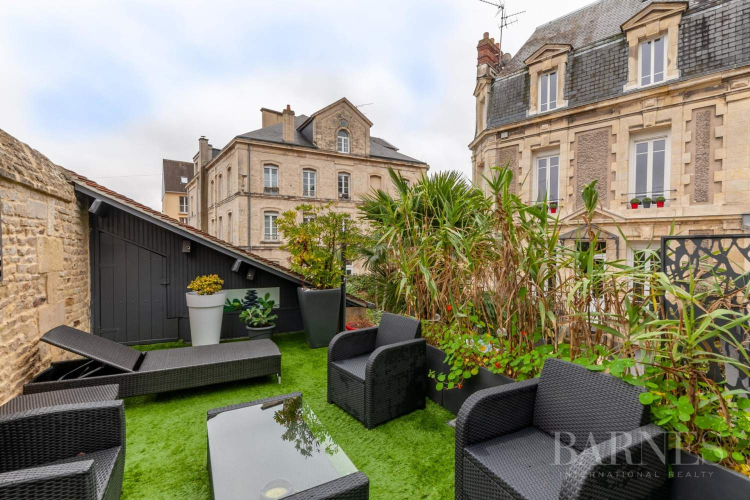 Caen Centre - Fully-renovated 196m² (2,109 sq ft) bourgeois house, 4 bedrooms, with garden and garage picture 18
