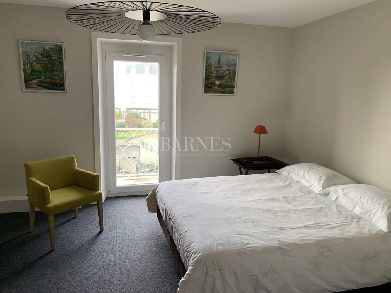Granville  - Maison 9 Pièces 4 Chambres - picture 14