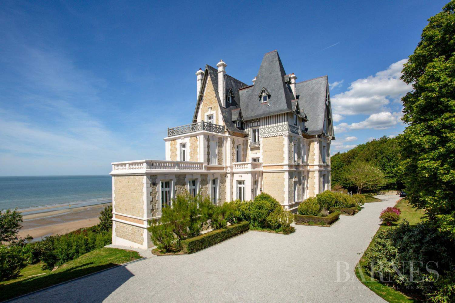 Deauville  - Property 8 Bedrooms - picture 1