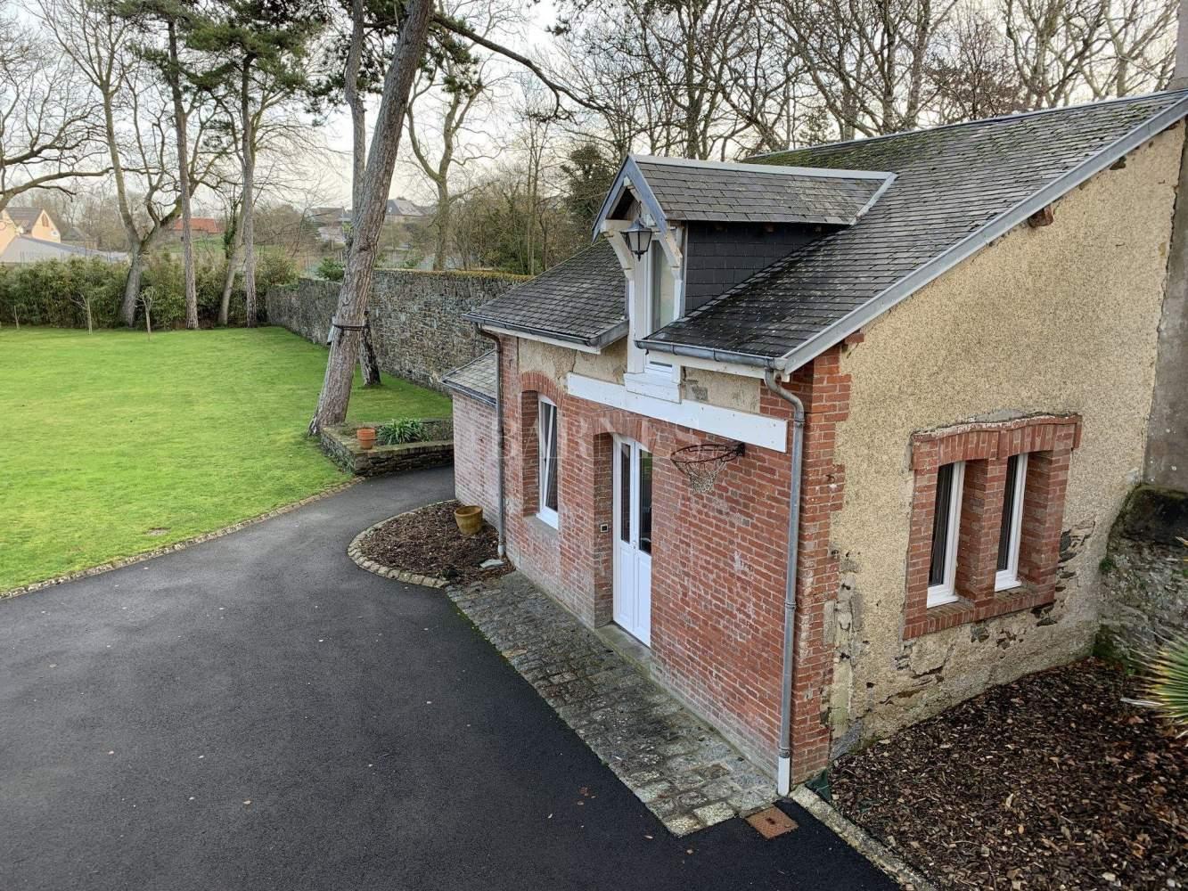 Granville  - Maison 9 Pièces 4 Chambres - picture 4