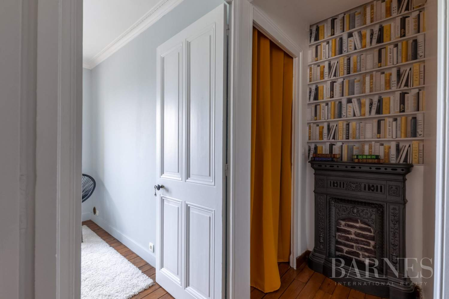 Caen Centre - Fully-renovated 196m² (2,109 sq ft) bourgeois house, 4 bedrooms, with garden and garage picture 12