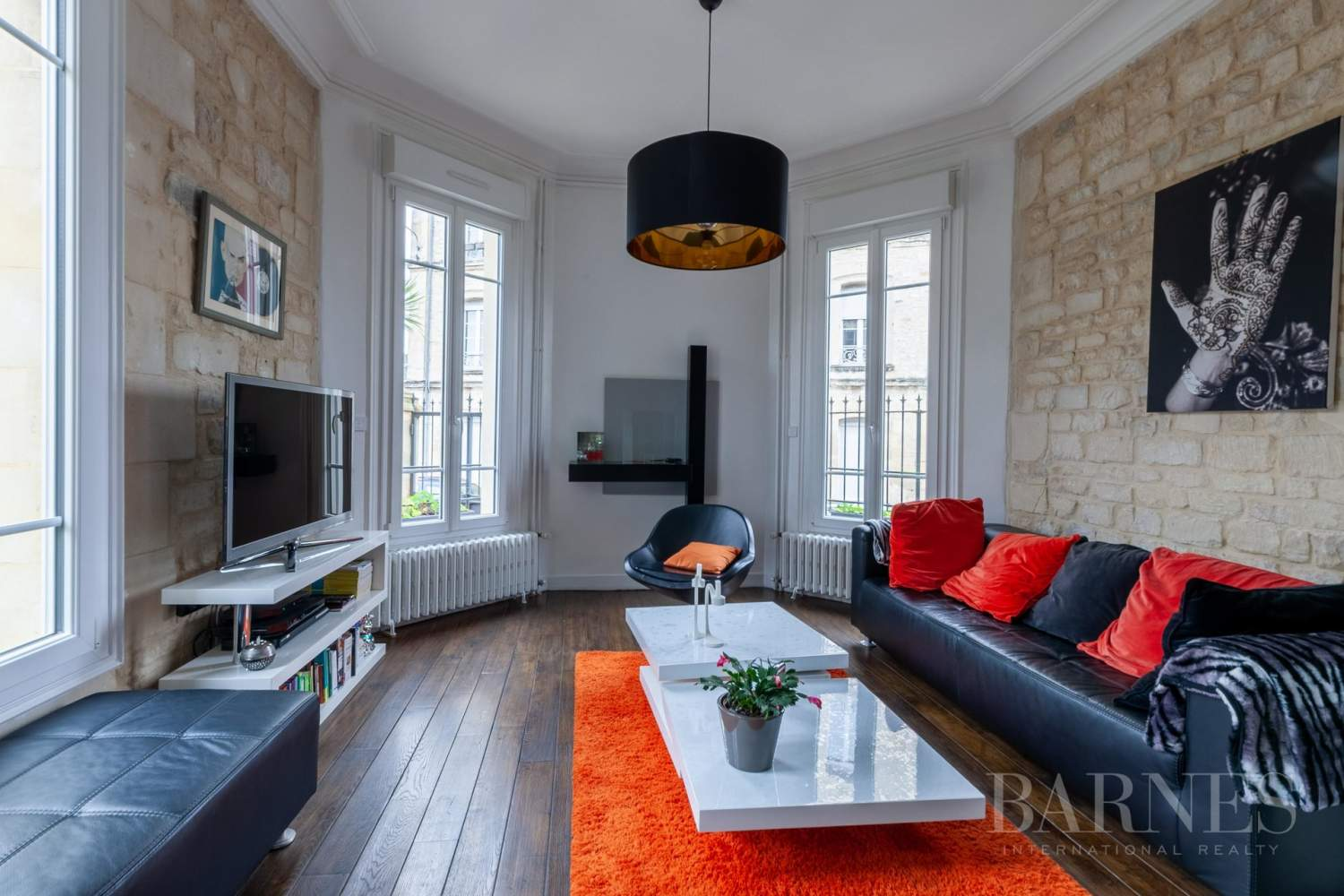 Caen Centre - Fully-renovated 196m² (2,109 sq ft) bourgeois house, 4 bedrooms, with garden and garage picture 5