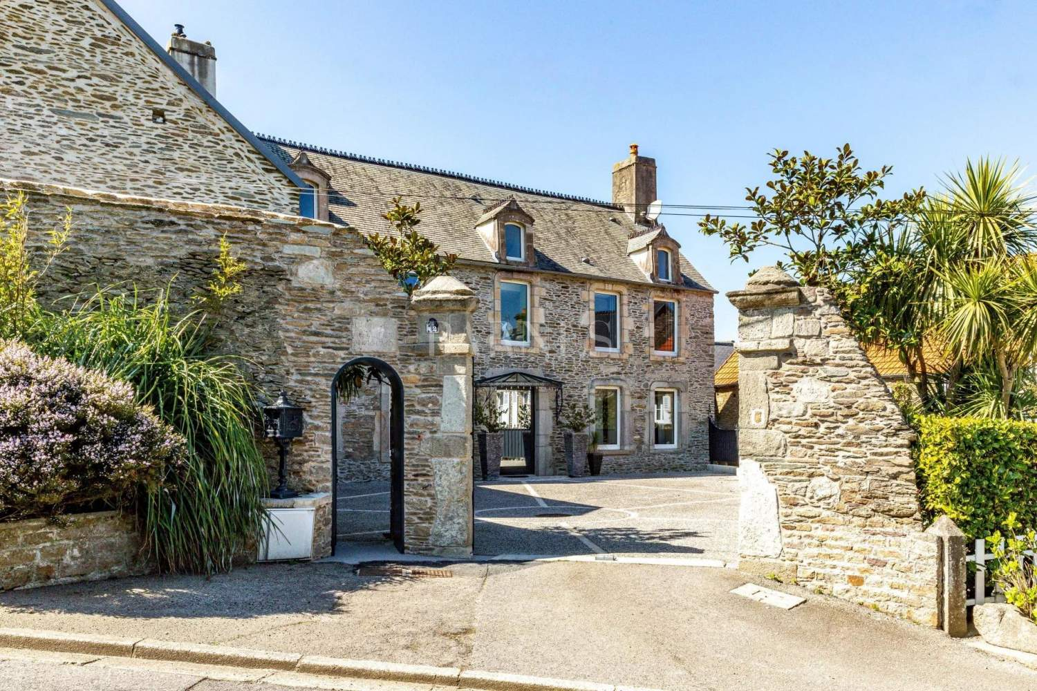 Cherbourg-Octeville  - House 9 Bedrooms - picture 1
