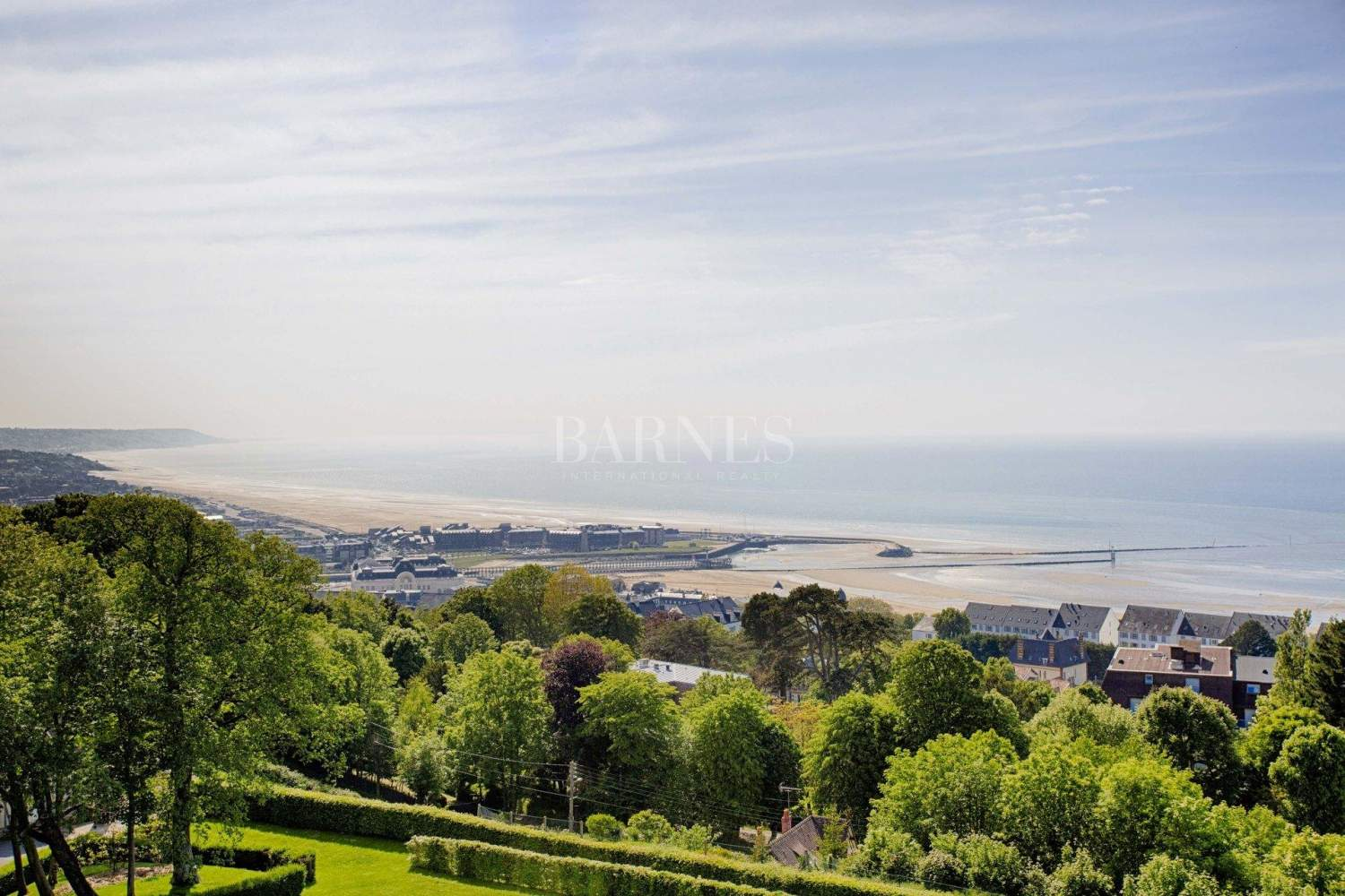 Trouville-sur-Mer  - Property 8 Bedrooms - picture 2