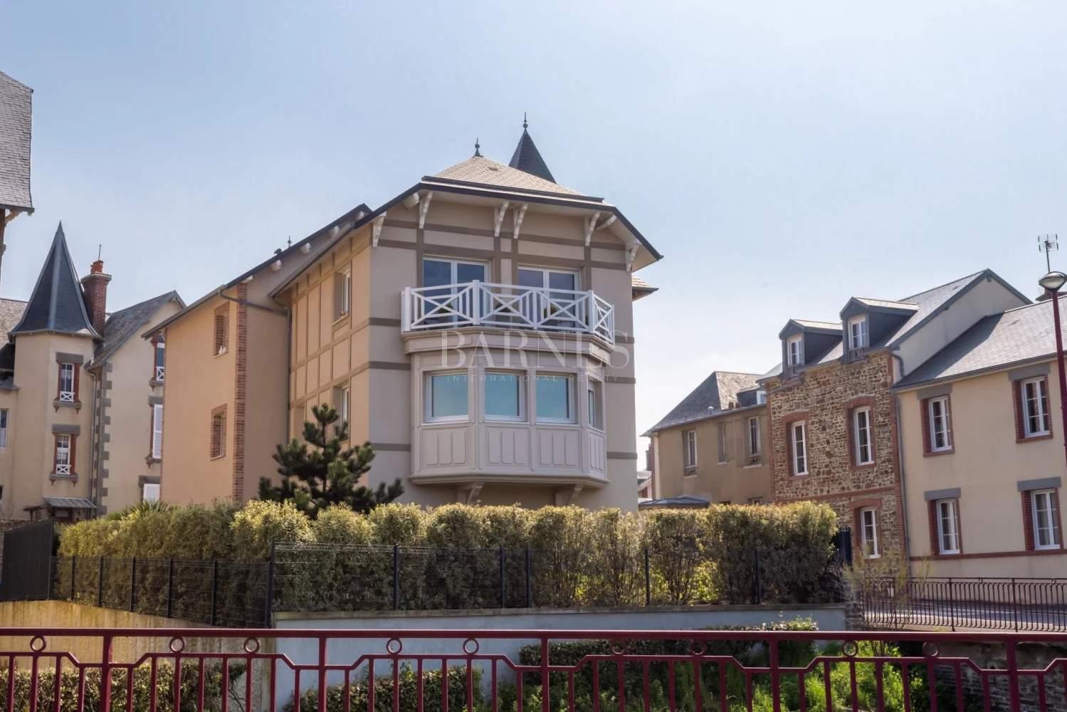 Saint-Pair-sur-Mer  - House 4 Bedrooms - picture 1