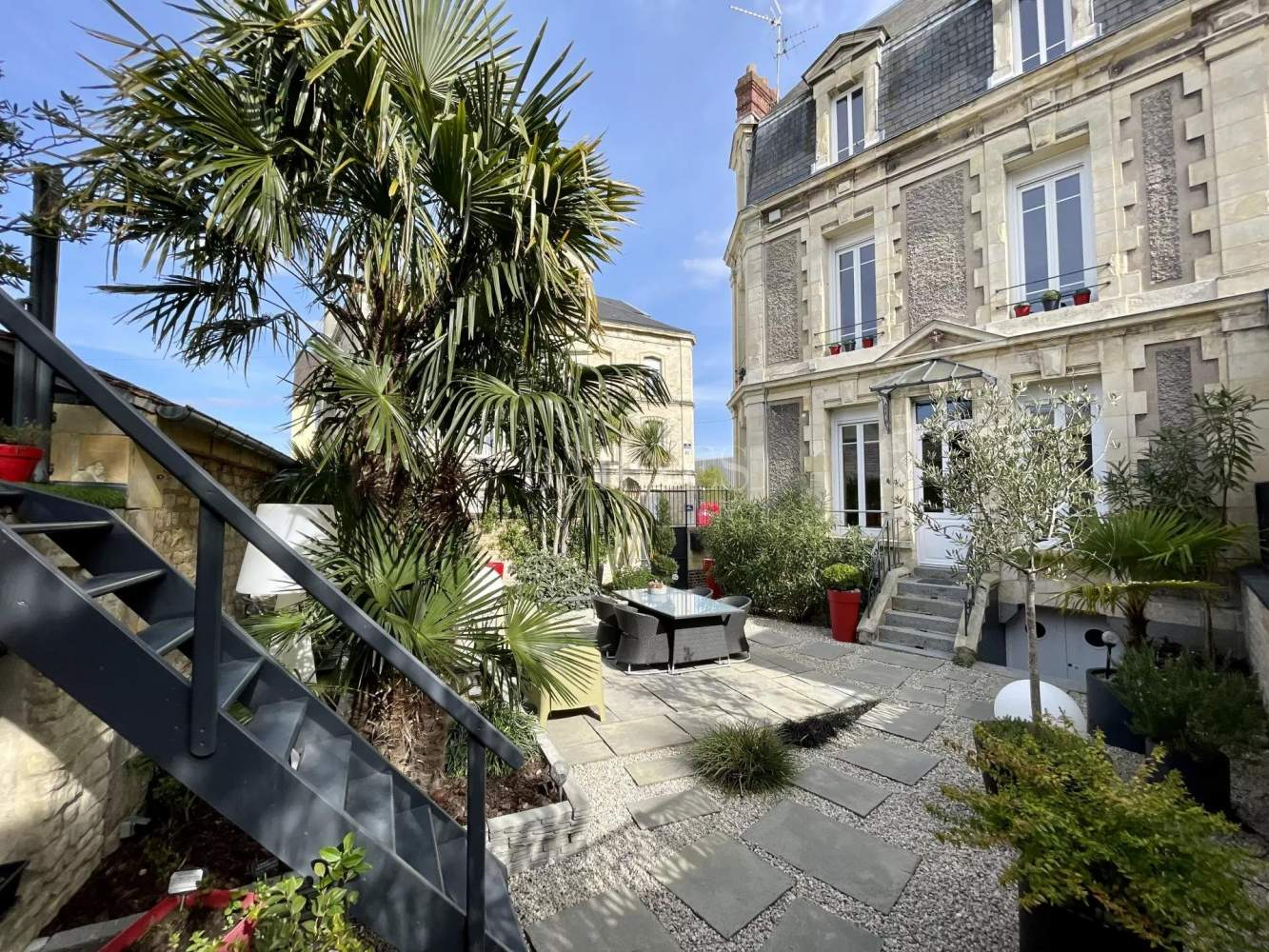 Caen  - Townhouse 4 Bedrooms - picture 1