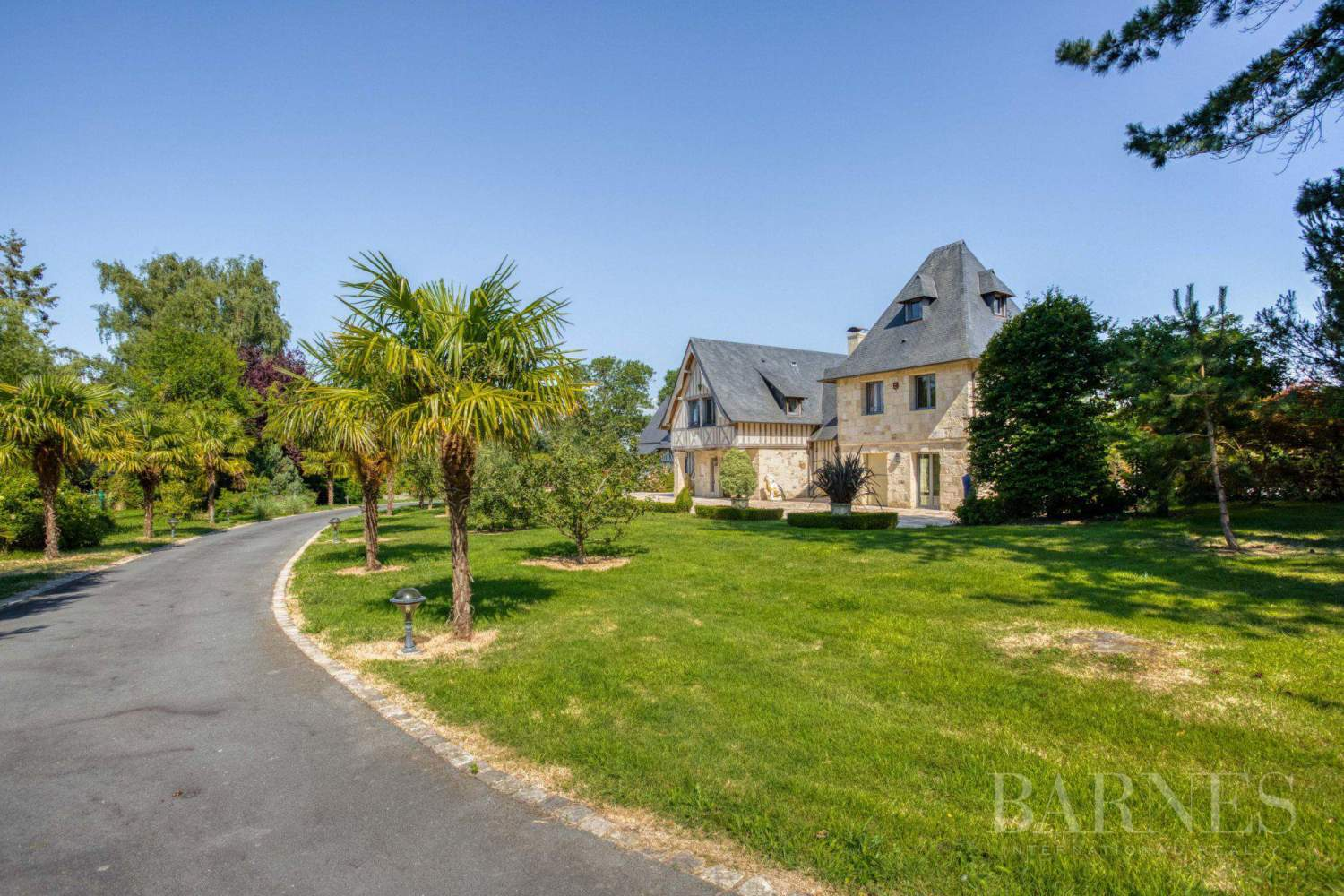 For sale - Charming and high-quality property - Close to Deauville picture 1