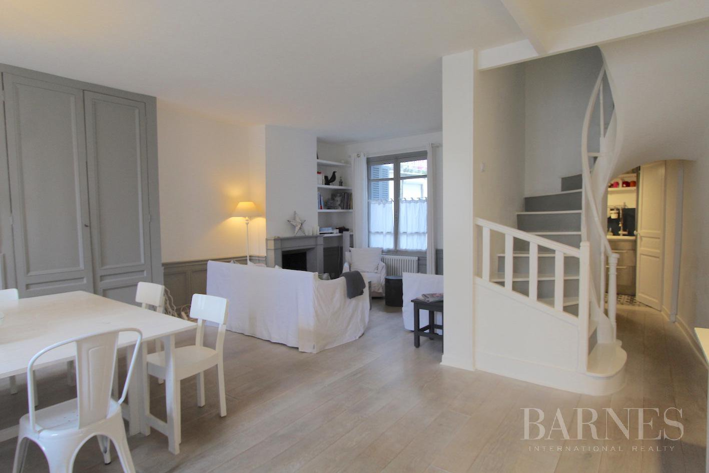 TROUVILLE - MAGNIFICENT TOWNHOUSE A SHORT WALK FROM THE BEACH picture 1