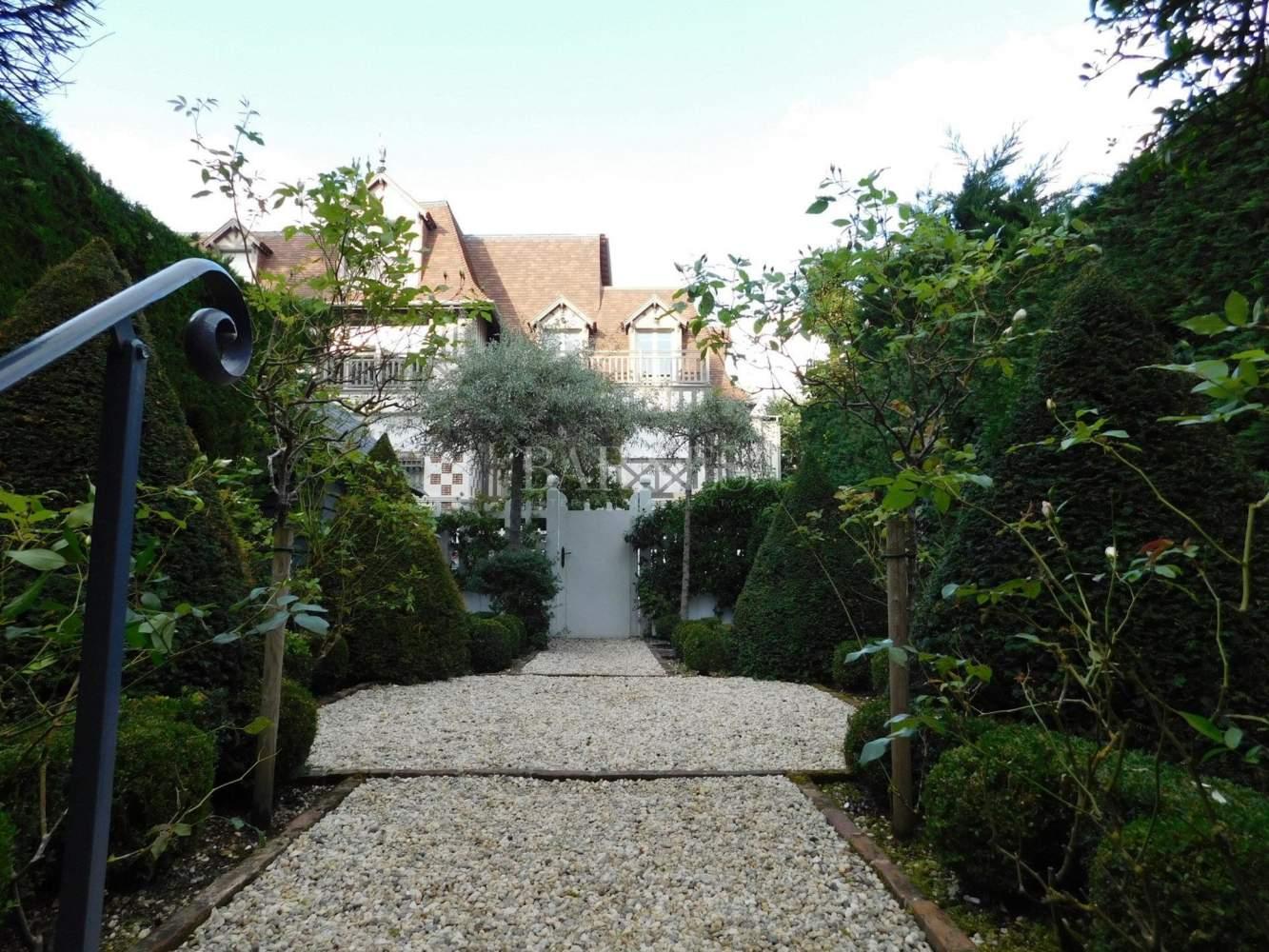 Deauville  - Hôtel particulier 10 Pièces 6 Chambres - picture 17
