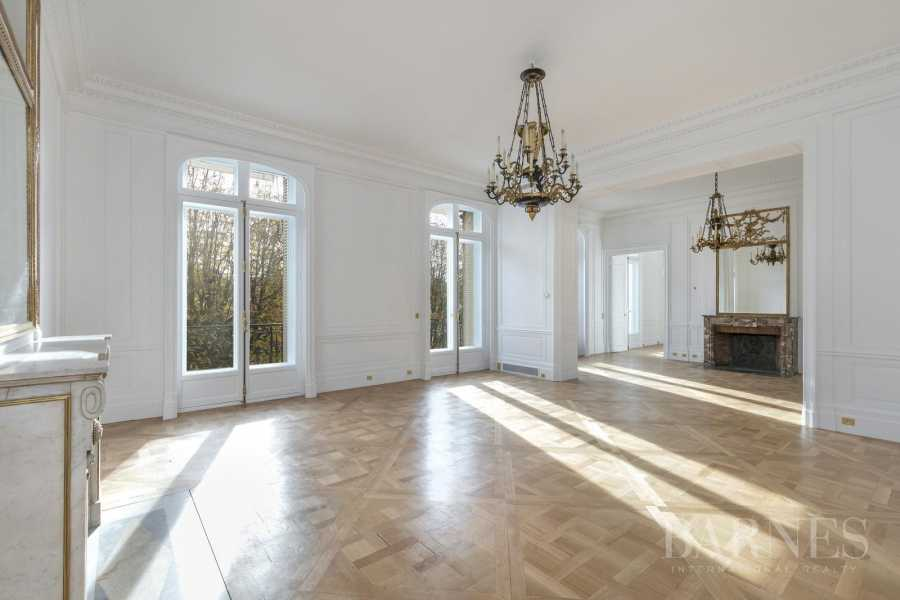 Paris  - Apartment 5 Bedrooms