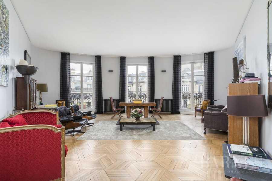 Paris  - Appartement 12 Pièces 5 Chambres