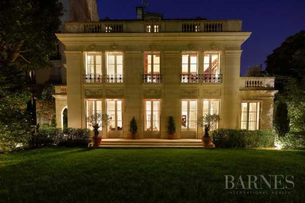 Mansion Neuilly-sur-Seine - Ref 3479506