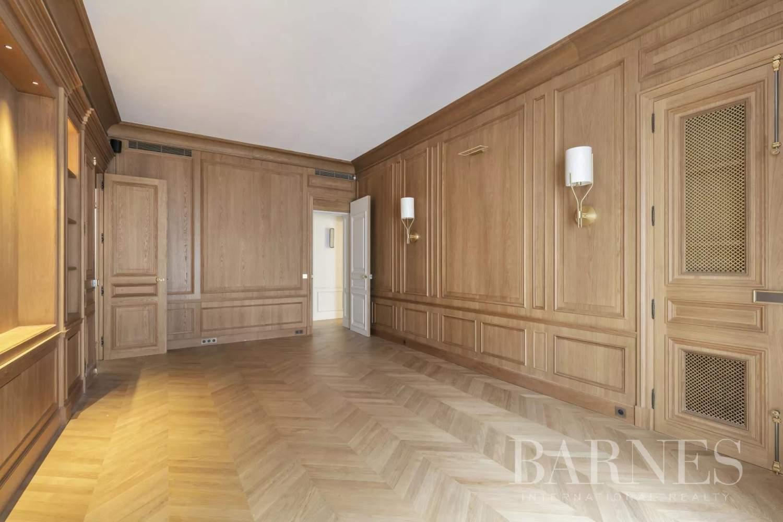 Paris  - Appartement 8 Pièces 3 Chambres - picture 6
