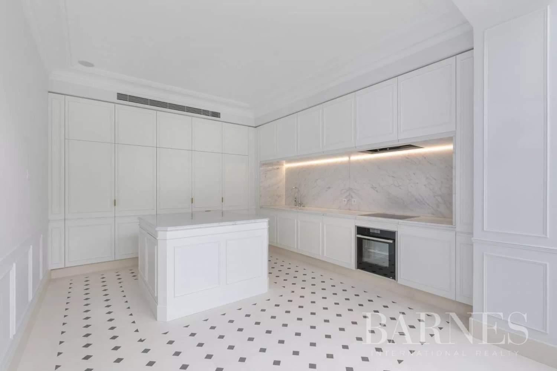 Paris  - Appartement 8 Pièces 3 Chambres - picture 12