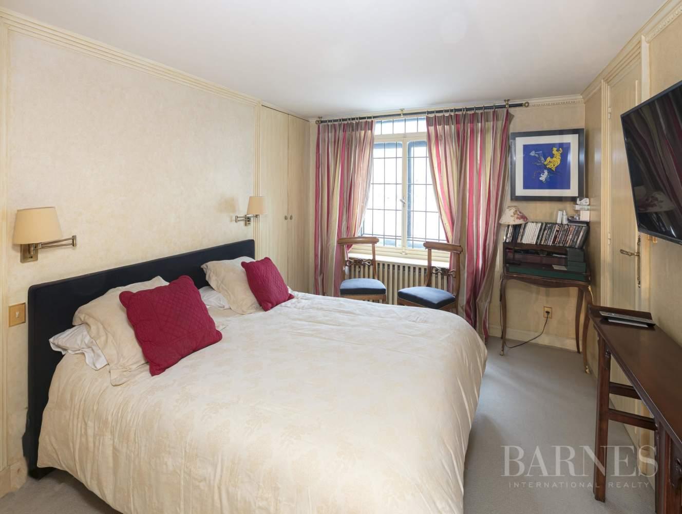 Paris  - Appartement 20 Pièces 4 Chambres - picture 18