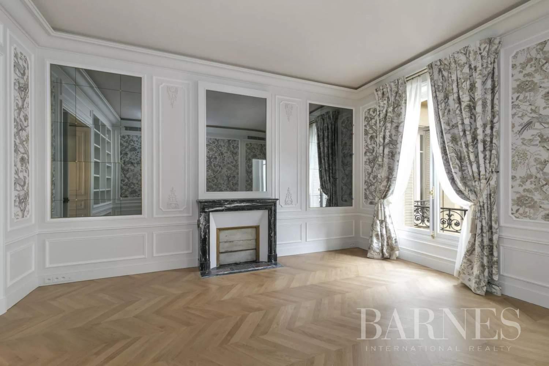 Paris  - Appartement 8 Pièces 3 Chambres - picture 10