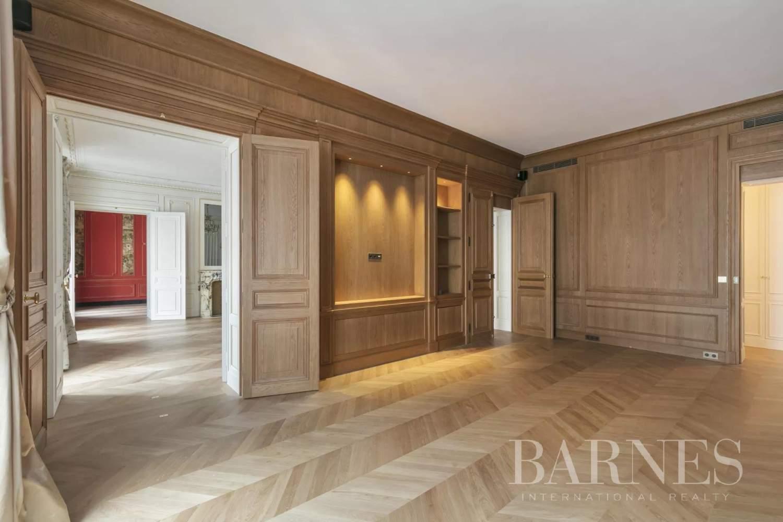 Paris  - Appartement 8 Pièces 3 Chambres - picture 5