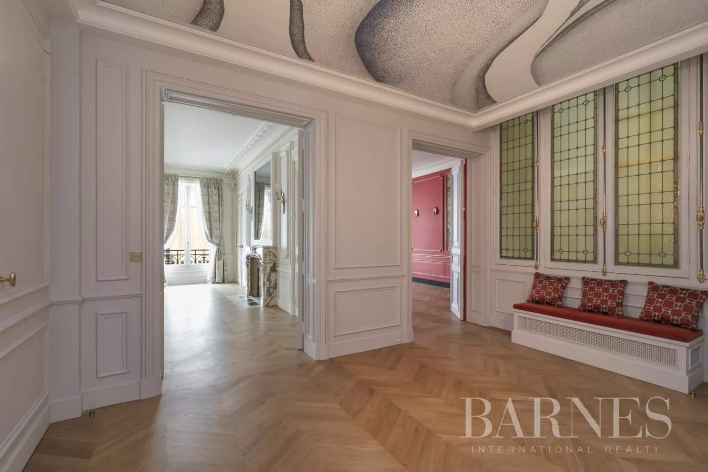 Paris  - Appartement 8 Pièces 3 Chambres - picture 3