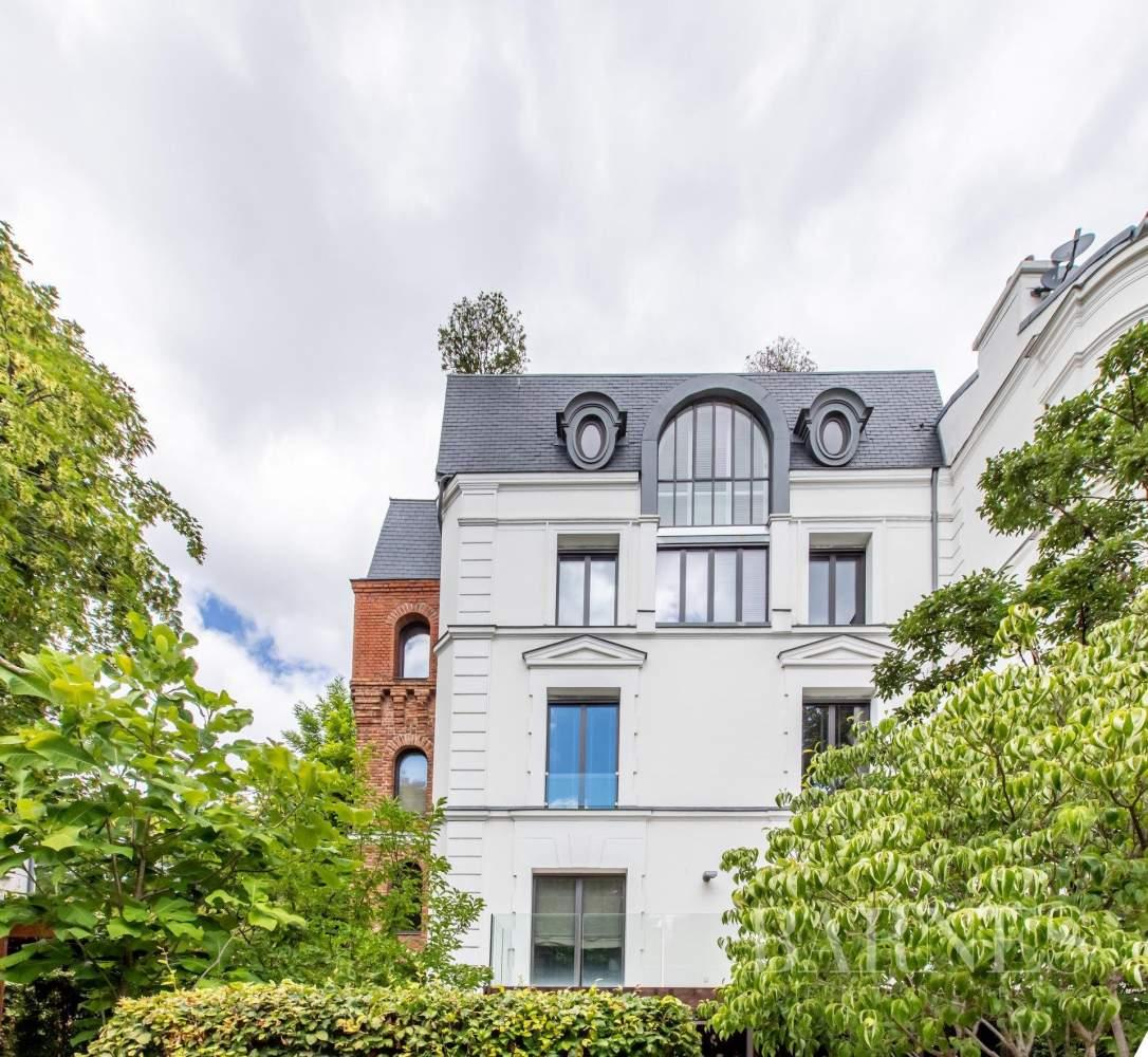 Paris  - Hôtel particulier 9 Pièces 5 Chambres - picture 2