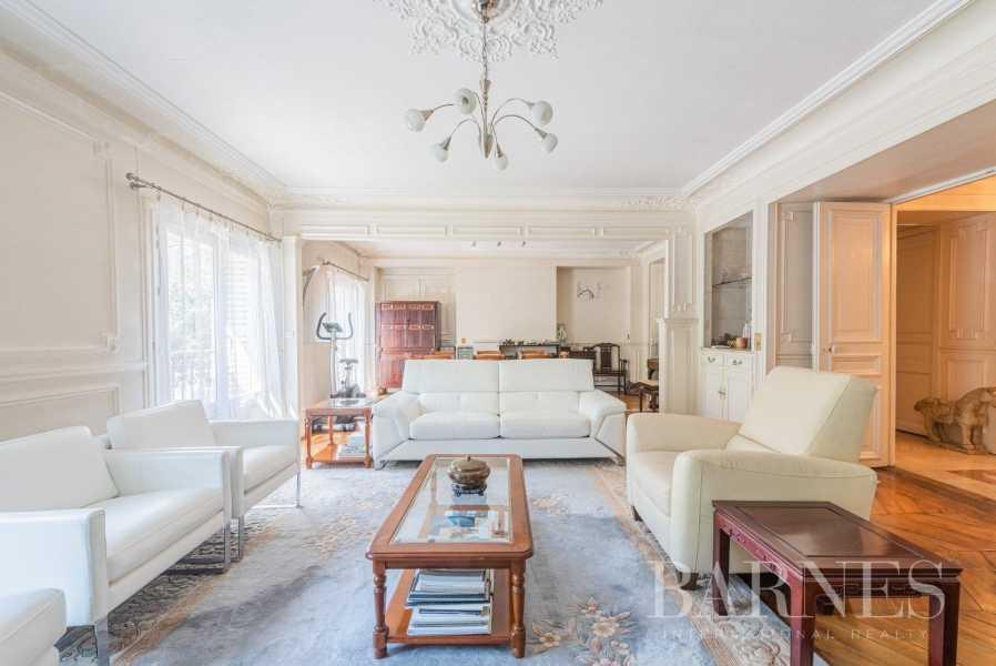 Paris  - Bureaux 5 Pièces 3 Chambres