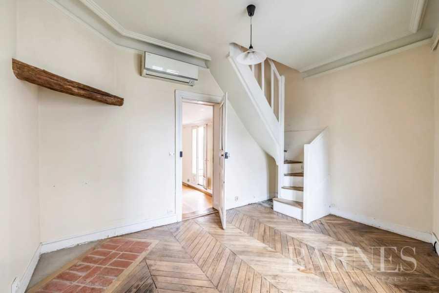 Paris  - Maison 10 Pièces 6 Chambres