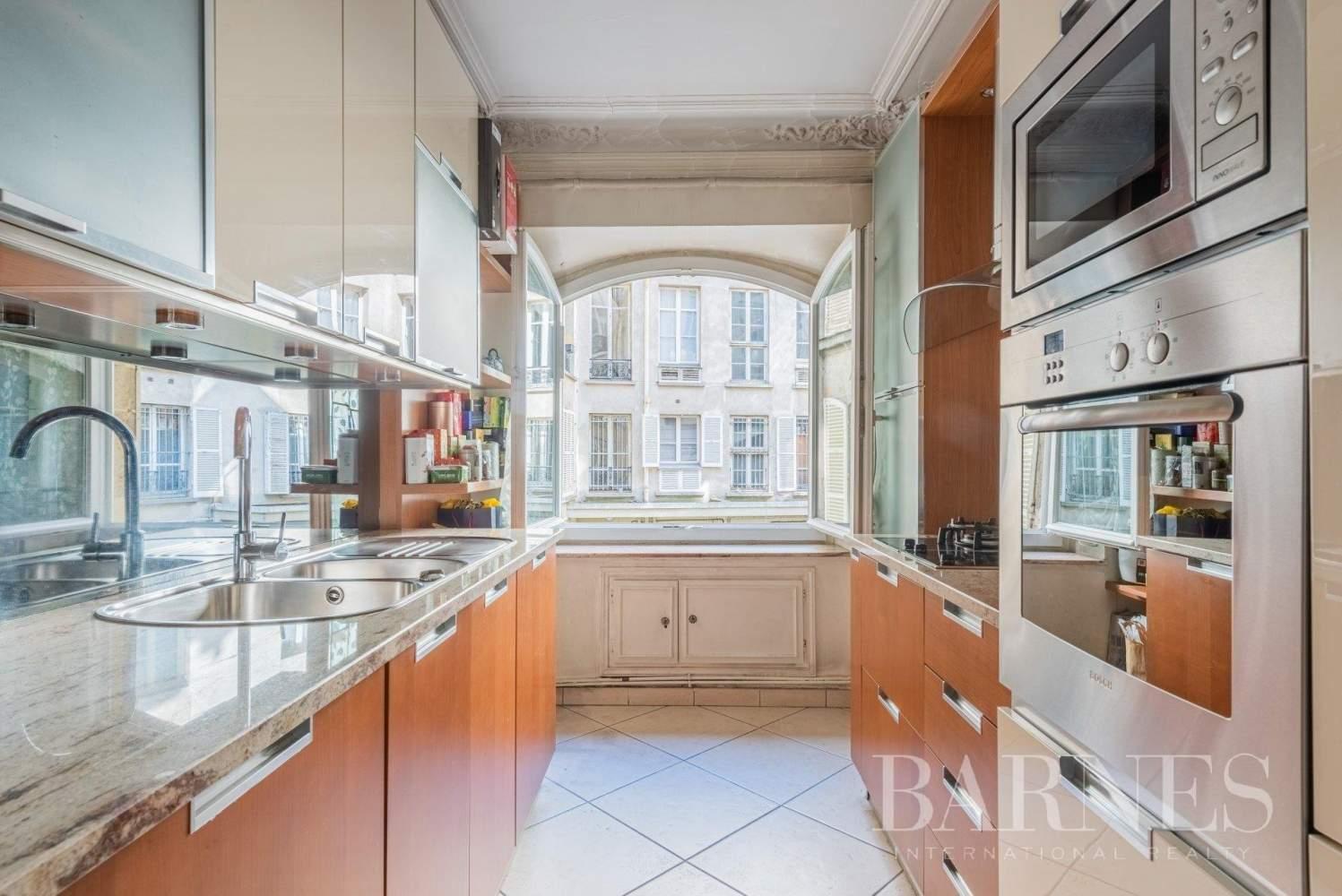 Paris  - Bureaux 5 Pièces 3 Chambres - picture 10