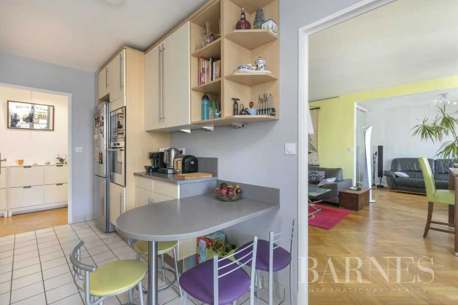 Courbevoie  - Apartment 3 Bedrooms