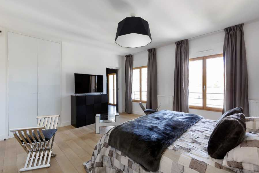 Courbevoie  - Villa on the roof 3 Bedrooms