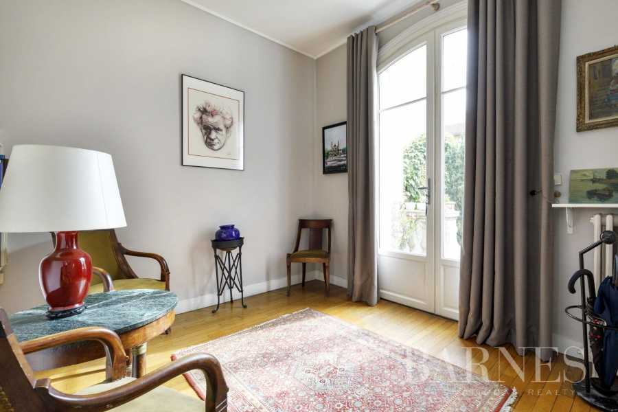 Courbevoie  - Mansion 6 Bedrooms
