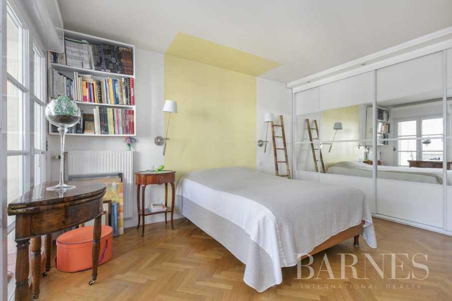 Courbevoie  - Appartement 5 Pièces 3 Chambres