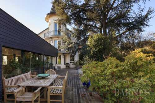 Suresnes  - House 6 Bedrooms