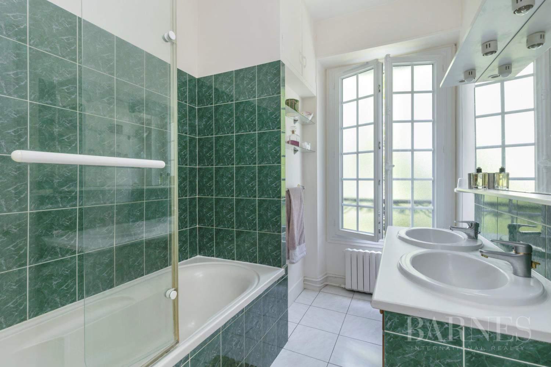Asnières-sur-Seine  - Hôtel particulier 8 Pièces 6 Chambres - picture 18
