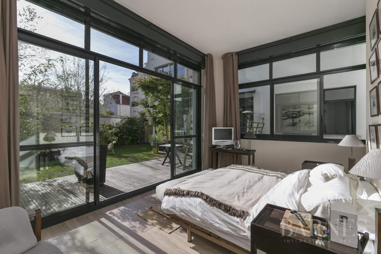 LA GARENNE COLOMBES LOFT APARTMENT WITH GARDEN AND TERRACE picture 3