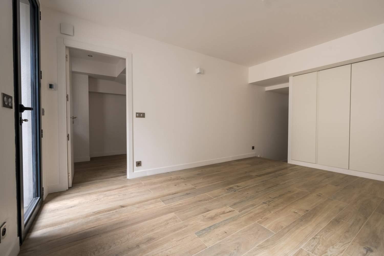 La Garenne-Colombes  - Maison 8 Pièces 6 Chambres - picture 16