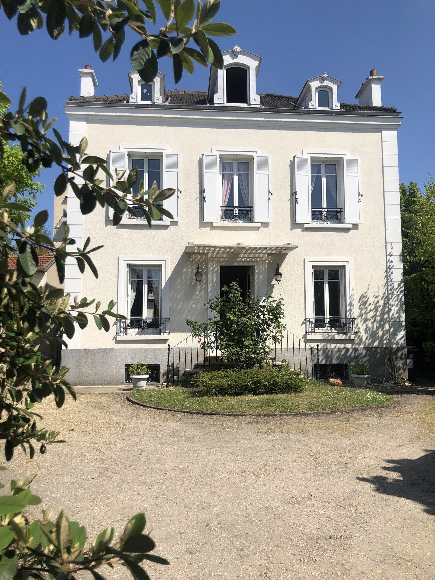 Asnières-sur-Seine  - Maison 10 Pièces 5 Chambres - picture 1